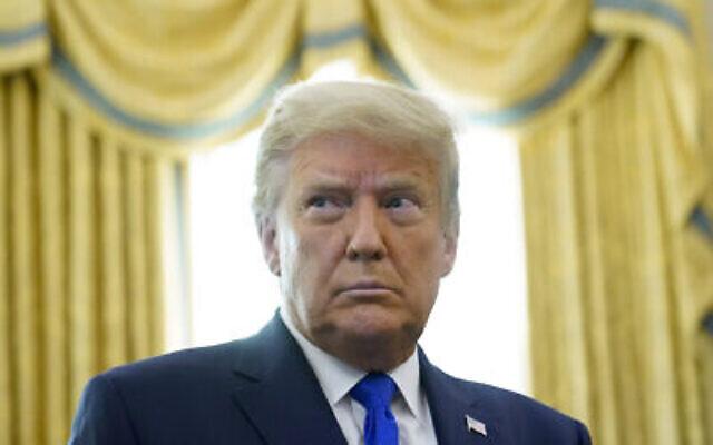 الرئيس الأمريكي دونالد ترامب في المكتب البيضاوي بالبيت الأبيض، 7 ديسمبر 2020 (AP Photo/Patrick Semansky)