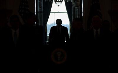 الرئيس الأمريكي دونالد ترامب في البيت الأبيض، 8 يونيو 2020 (AP Photo/ Evan Vucci)