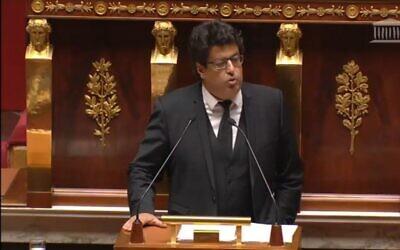 النائب مئير حبيب يتحدث في الجمعية الوطنية في باريس، 28 نوفمبر 2014 (screen capture)