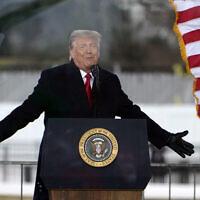 الرئيس الأمريكي دونالد ترامب يتحدث في تجمع حاشد في واشنطن، قبل وقت قصير من هجوم على مبنى الكابيتول الأمريكي، 6 يناير 2021 (AP/Jacquelyn Martin)