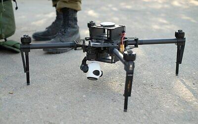 """توضيحية. طائرة مسيرة تابعة للجيش الإسرائيلي من طراز """"ماتريس"""" ، بقدرات رؤية ليلية. . (Judah Ari Gross/Times of Israel)"""