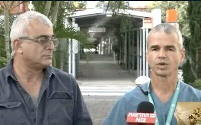 لقطة شاشة من مقطع فيديو يظهر فيه زيف يافي، على يسار الصورة، الذي أصيب بفيروس كورونا مرة أخرى، مع شاي إفراتي من المركز الطبي أساف هروفيه.  (Channel 12 news)