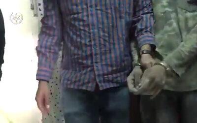 """اعتقلت الشرطة في 21 فبراير 2021 المشتبه في أنه سارق سيارات فلسطيني اقتحم قاعدة """"نيفاتيم"""" الجوية في 8 فبراير 2021 (Screenshot: Israel Police)"""
