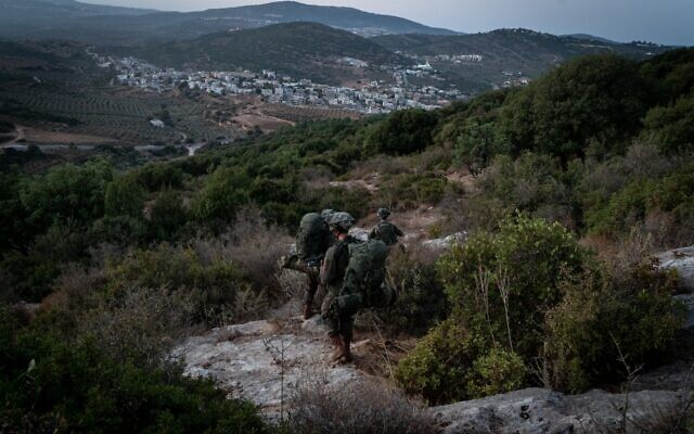 """صورة توضيحية: جنود اسرائيليون يشاركون في مناورة """"السهم المميت"""" واسعة النطاق لمحاكاة الحرب في الشمال، اكتوبر 2020 (Israel Defense Forces)"""