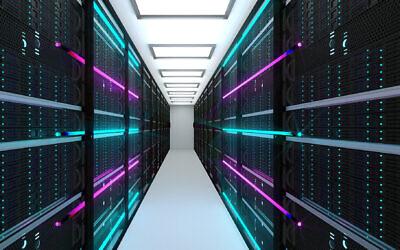 صورة توضيحية لمركز بيانات، مزرعة خوادم وخدمات سحابية (noLimit46 ؛ iStock by Getty Images)