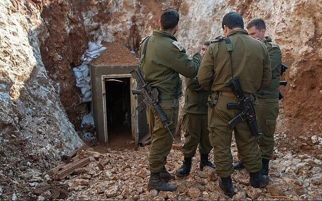 توضيحية: الجيش الإسرائيلي يكشف عن أطول نفق هجومي عابر للحدود حفره حزب الله من لبنان إلى إسرائيل، 29 مايو، 2019. (Israel Defense Forces)