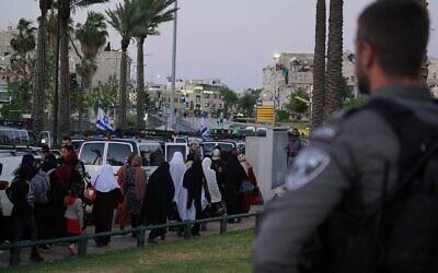 الشرطة تقوم تستعد لصلاة الجمعة الأخيرة من شهر رمضان وسط التوترات في القدس، 7 مايو 2021 (Israel Police)