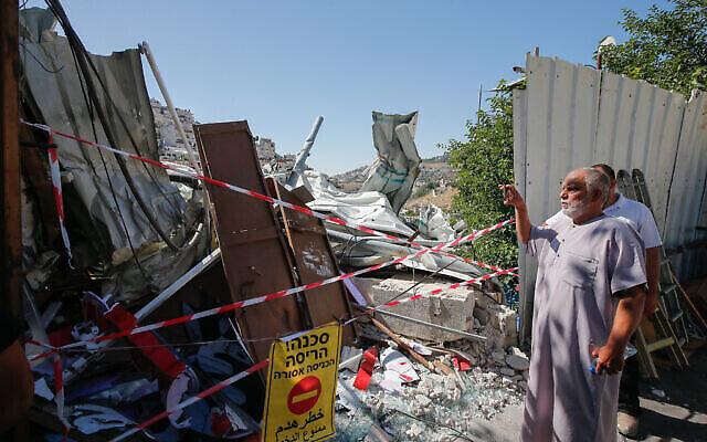 صورة  لدكان هدمته السلطات الإسرائيلية في حي سلوان بالقدس الشرقية، 29 يونيو، 2021. ( Jamal Awad/Flash90)