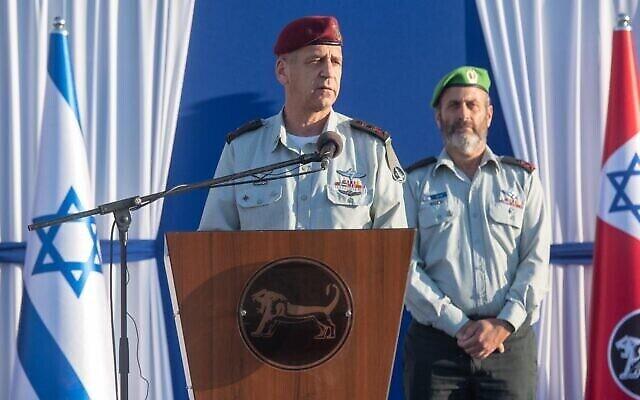 رئيس هيئة أركان الجيش الإسرائيلي أفيف كوخافي يلقي كلمة خلال مراسم في القدس، 11 أغسطس، 2021. (Israel Defense Forces)