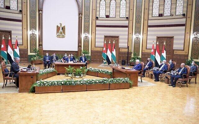 رئيس السلطة الفلسطينية محمود عباس يلتقي بالرئيس المصري عبد الفتاح السيسي والعاهل الأردني الملك عبد الله الثاني في القاهرة يوم الخميس 2 سبتمبر 2021 (وفا)