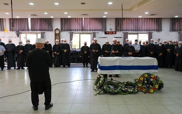 دفن المتطوع بالشرطة حسام صغير في بلدة يركا الشمالية، 22 سبتمبر 2021 (Fadi Amun / Courtesy)