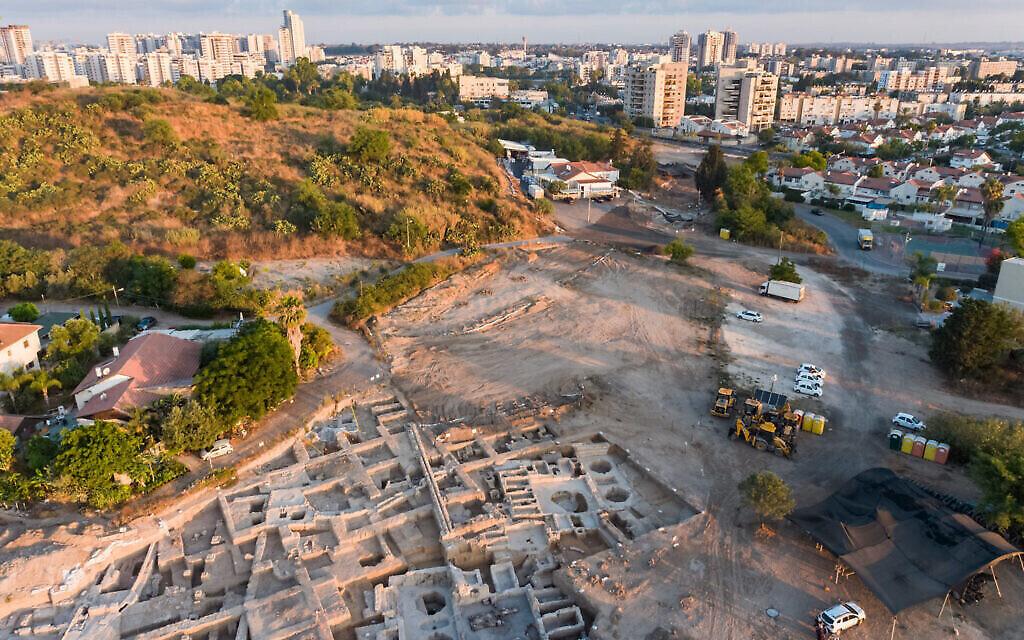 منظر جوي للمعصرة البيزنطية التي تم إكتشافها في يافني (Asaf Peretz / IAA)