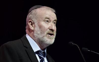 النائب العام أفيخاي ماندلبليت في مؤتمر في تل أبيب، 29 يونيو 2021 (Tomer Neuberg / Flash90)