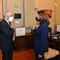وزير الخارجية يائير لابيد يلتقي بنائبة الرئيس الأمريكي كامالا هاريس في واشنطن، 12 أكتوبر، 2021. (Shlomi Amsalem / GPO)
