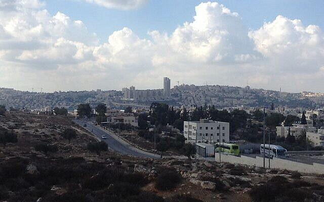 حي غفعات هماتوس، القدس. (Joshua Davidovich / Times of Israel)