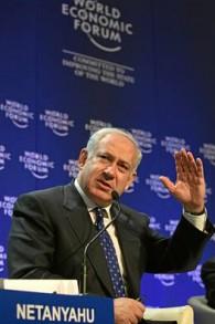 رئيس المعارضة آنذاك بينيامين نتانياهو في منتدى الاقتصاد العالمي في دافوس يناير 2009 (مقدمة من مؤتمر الاقتصاد العالمي)