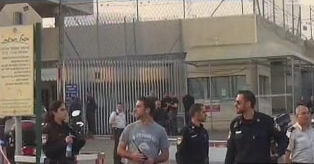 صورة شاشة من سجن ريمونيم اثناء الحادث (من شاشة القناة الثانية)