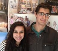 طلاب كلية ويتون جوزايا كوهين وآبي كلارك في بيت لحم 13 مارس 2014 (بعدسة الحانان ميلر/ طاقم تايمز اوف اسرائيل)
