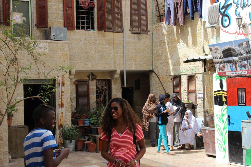 افراد من الجالية الافريقية (بعدسة ايلان بن تسيون/ طاقم تايمز أوف اسرائيل)