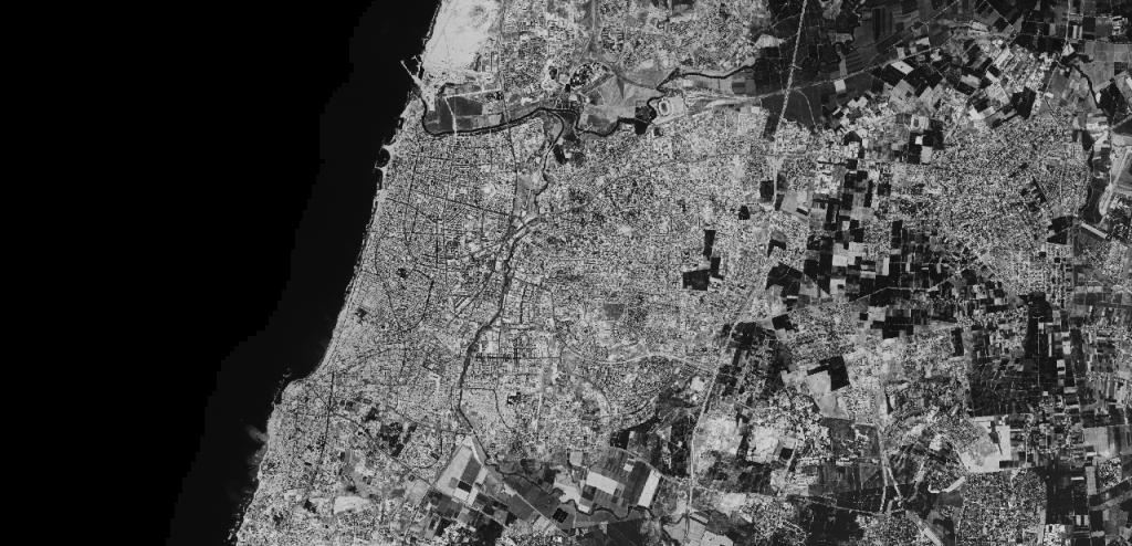 صورة جوية لمدينة تل ابيب في سنوات الستينات (Center for Advanced Spatial Technologies, University of Arkansas/U.S. Geological Survey)