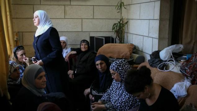 عائلة محمد ابو خضير واقربائه في بيت العائلة في شعفاط July 2, 2014. ( Hadas Parush/Flash90)