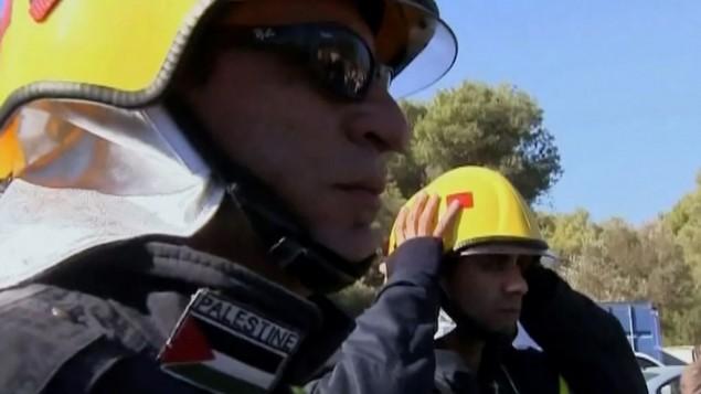 وصول رجال الاطفاء الفلسطينيين الى حريق الكرمل 2010
