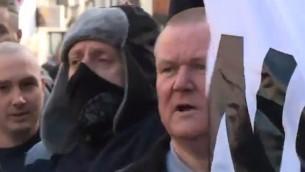 داعمي مجموعة بيجيدا في بريطانيا بمظاهرة في نيوكاسل، 28 فبراير 2015 (YouTube screen capture)