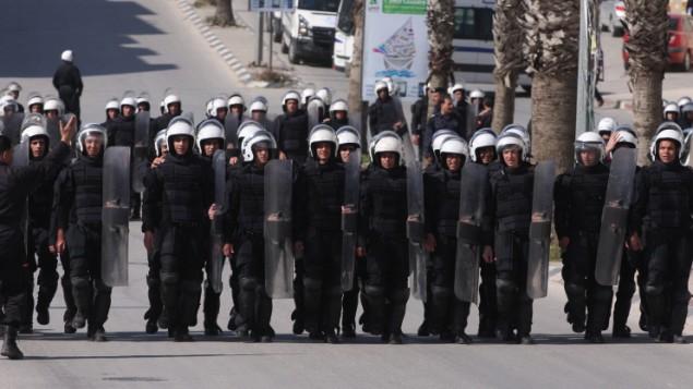 شرطة مكافحة الشغب الفلسطينية المنتشرة في مدينة رام الله بالضفة الغربية في عام 2011. (Issam Rimawi/Flash90)