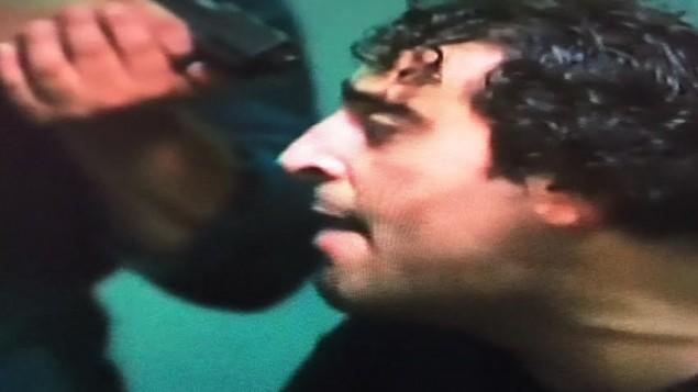 الممثل السوري باسم ياخور 'يتم التحقيق' معه من قبل 'اسرائيليين'  ببرنامج كاميرا خفية مصري (Channel 2 screenshot)