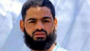 الأسير الفلسطيني محمد علان، الناشط في الجهاد الإسلامي، دخل يوم السبت اليوم ال55 من إضرابه عن الطعام، 8 أغسطس، 2015. (أ ف ب)