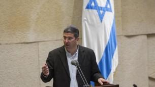 نائب وزير المعارف آفي فورتسمان في الكنيست، 5 نوفمبر (2014 Yonatan Sindel/Flash90)