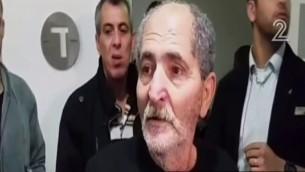 محمد ملحم، والد منفذ هجوم تل ابيب نشأت ملحم، يتحدث مع الصحافة بعد اطلاق سراحه في 10 يناير 2016 (screen capture: Channel 2)