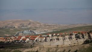 مستوطنة معاليه ادوميم في الضفة الغربية، 25 فبراير 2016 (Yonatan Sindel/Flash90)