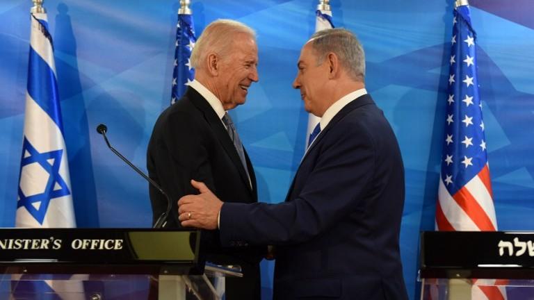نائب الرئيس الاميركي جو بايدن يلتقي برئيس الوزراء الإسرائيلي بنيامين نتنياهو في مكتب رئيس الوزراء في القدس، 9 مارس 2016 (DEBBIE HILL / POOL / AFP)