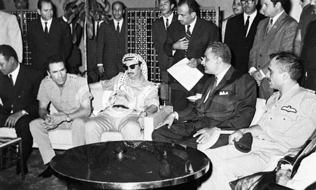من اليمين، الملك حسين، جمال عبد الناصر، ياسر عرفات ومعمر القذافي عام 1970 (Palestinian Authorities via Abed Rahim Khatib/ Flash 90)