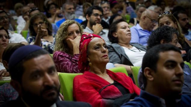 مؤتمر حول قضية الاطفال اليمنيين في الكنيست، 21 يونيو 2016 (Miriam Alster/FLASH90)