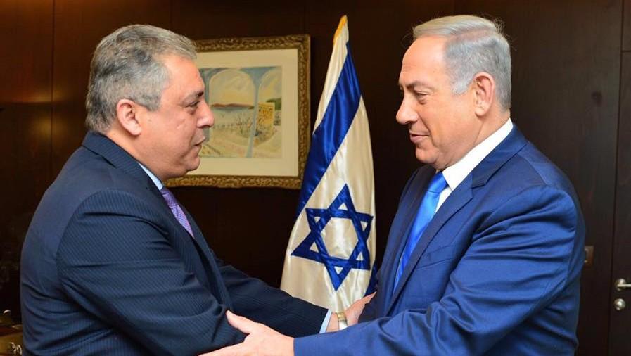 السفير المصري لإسرائيل حازم خيرت يلتقي برئيس الوزراء الإسرائيلي بنيامين نتنياهو في القدس، 29 فبراير 2016 (Prime Ministers Office)