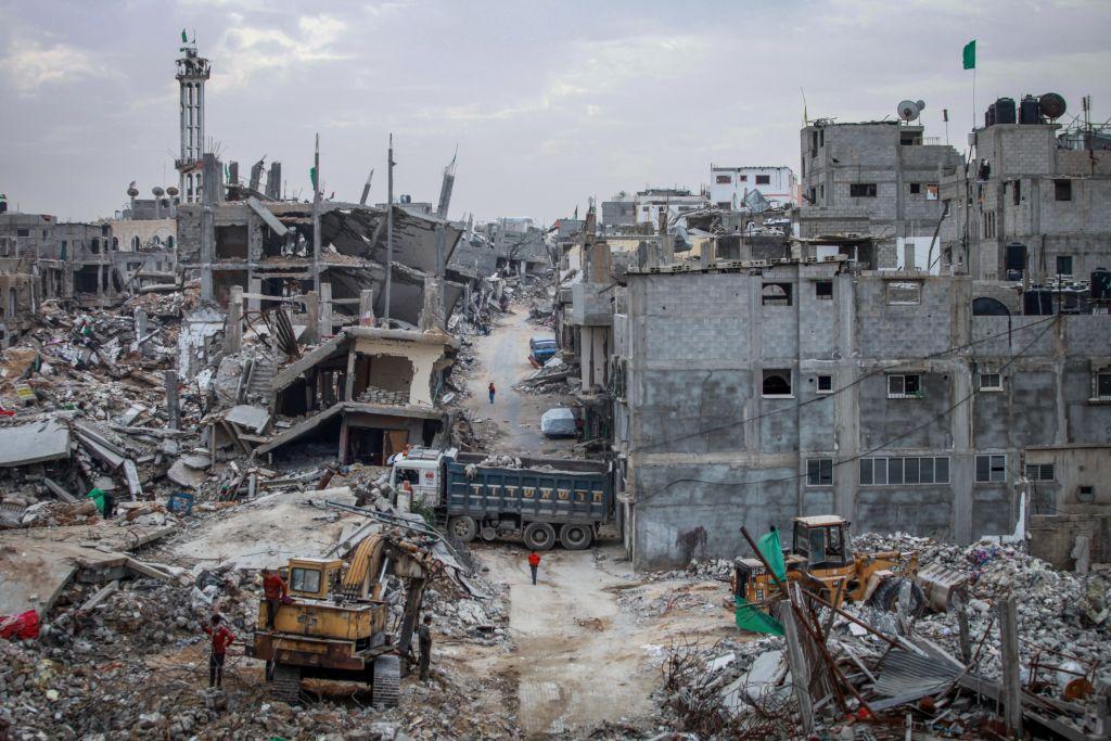 شرق مدينة غزة، 6 اشهر بعد عملية الجرف الصامد عام 2014 (Aaed Tayeh/Flash90)