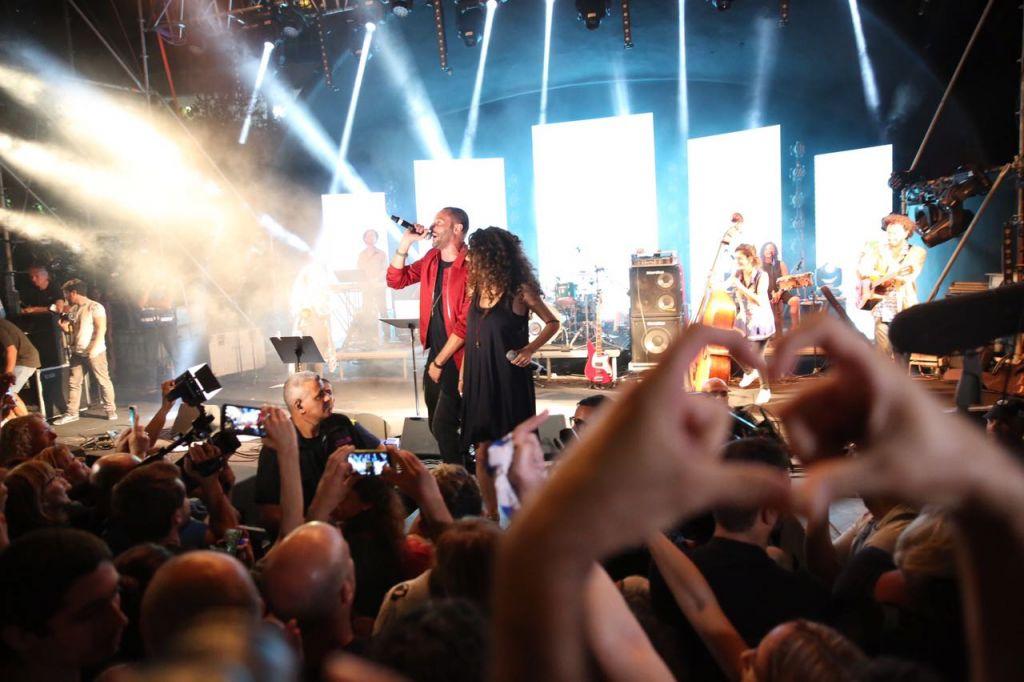 مغني الراب العربي تامر نفار خلال عرض في حيفا، 18 اكتوبر 2016 (Mhassan Nasser/Joint List spokesperson)