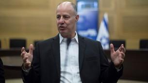 وزير التعاون الاقليمي تساخي هنغبي (Yonatan Sindel/Flash90)