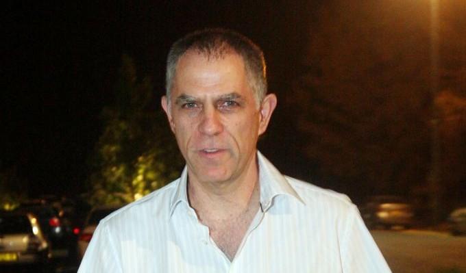صاحب جريدة يديعوت احرونوت نوني موزيس في تل ابيب، 26 مارس 2014 (Roni Schutzer/Flash90)