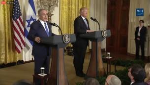 رئيس الوزراء بنيامين نتنياهو خلال مؤتمر صحفي مشترك مع الرئيس الامريكي دونالد ترامب في البيت الابيض، 15 فبراير 2017 (screen capture: Facebook)