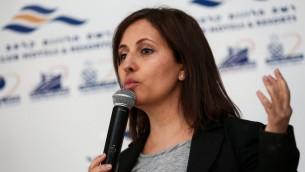 وزيرة المساواة الاجتماعية غيلا غملئيل (ليكود) خلال اجتماع لاعضاء حزب الليكود في مدينة ايلات الجنوبية، 27 يناير 2017 (Noam Revkin Fenton/Flash90)