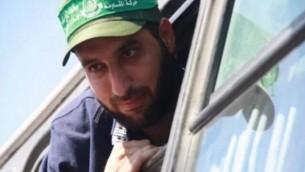 مازن فقهاء، خلال إطلاق سراحه في إطار صفقة شاليط في عام 2011. (Screen capture Twitter)