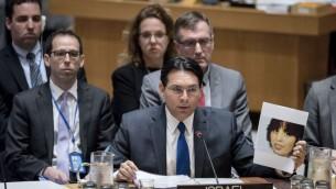 السفير الإسرائيلي الى الامم المتحدة داني دانون خلال جلسة لمجلس الامن الدولي، 20 ابريل 2017 (UN Photo/Rick Bajornas)