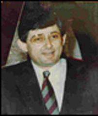عاطف بسيسو، رئيس الاستخبارات في منظمة التحرير الفلسطينية الذي قُتل في باريس عام 1992 (Wikimedia commons)