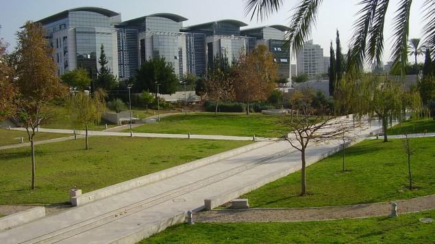 صورة توضيحية لحرم جامعة بار ايلان (CC-BY Avishai Teicher/Wikimedia Commons)