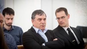شلومو فيلبر، المدير العام لوزارة الاتصالات، خلال جلسة في المحكمة العليا حول إغلاق سلطة البث الإسرائيلية. 15 مايو، 2017. (Miriam Alster/FLASH90)
