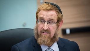 عضو الكنيست من حزب الليكود يهودا غليك في الكنيست، 29 مايو 2017 (Yonatan Sindel/Flash90)