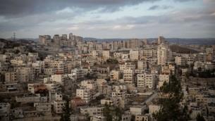 حي العيساوية في القدس الشرقية، 15 ديسمبر 2016 (Hadas Parush/Flash90)